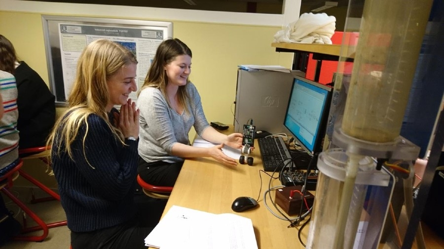 Figure 6. The moment of success for students Magda Klein and Calinne Mattsson.