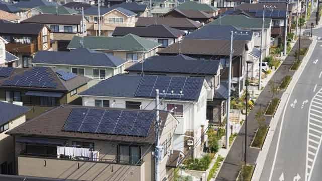 OMRON desarrolla un algoritmo de control de inversores solares para evitar la formación de islas