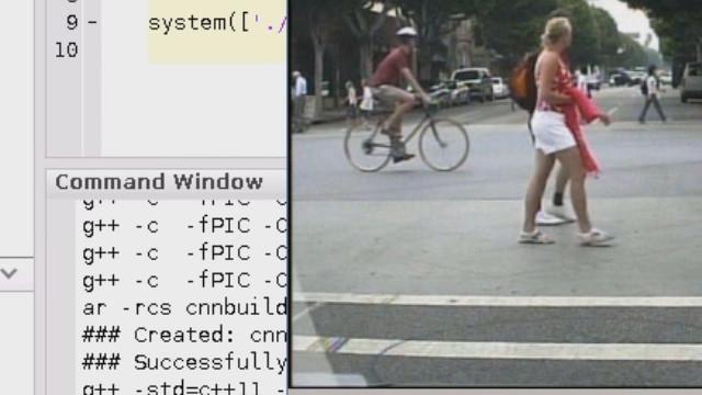 Genere código desde una red neuronal entrenada en MATLAB para procesadores Intel y vea cómo la red para la detección de peatones se ejecuta en un procesador Intel Xeon E5 v3 utilizando la librería MKL-DNN a unos 30 fps.